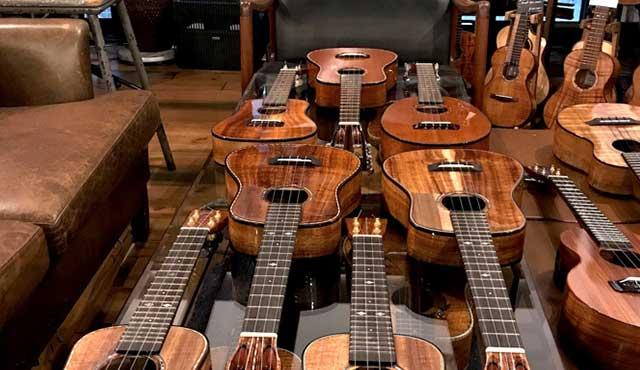 KOU ukulele入荷しました。