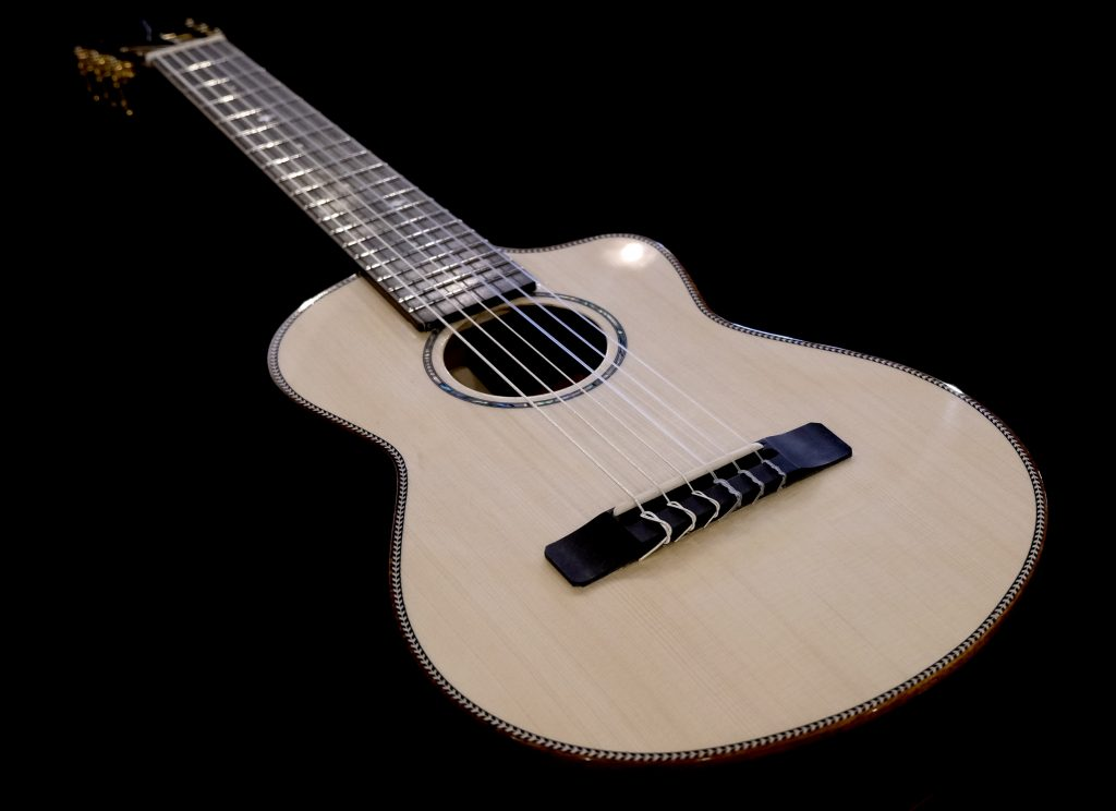 KOU Mini Guitar / Guilele