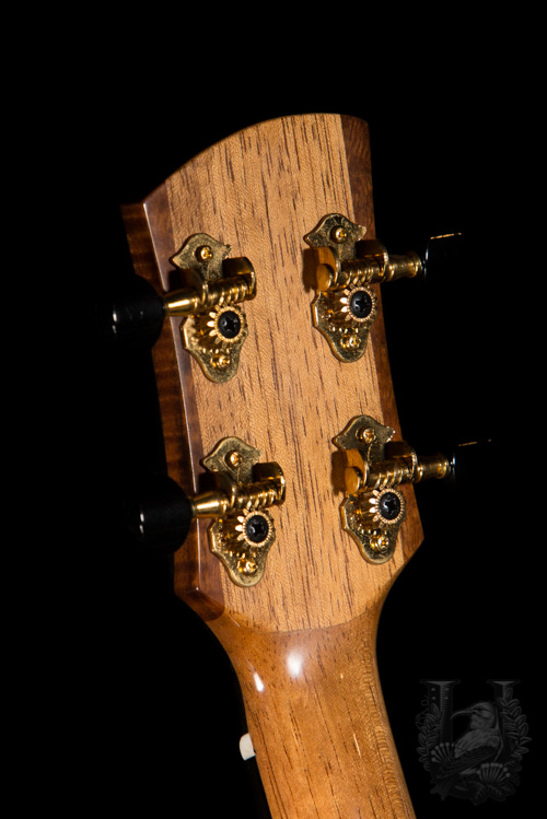 Hokukano Ranch Ukulele (Tom Parse) Tenor Custom Thin Model Spruce