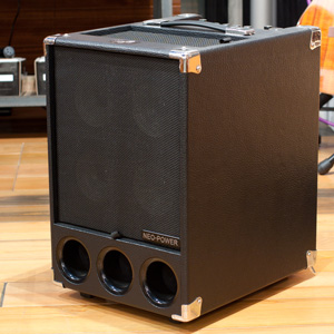 Phil Jones Bass Super Flightcase Bass Amp 展示品特価Sale!