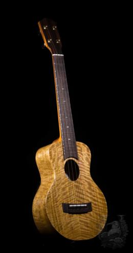 "Matsui Ukulele Super Concert(Mini Tenor) ""Laughing"" Curly Mango"